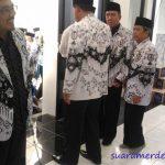 Usai Peresmian, Bupati Bandung Barat Masuk Masjid Pakai Sepatu
